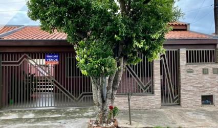 Casa com ótima localização ( cidade jardim )